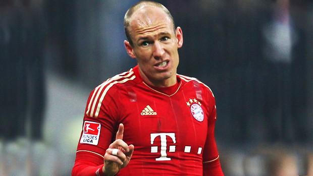 Bayern Munich sẽ không có Arjen Robben ở lượt đi vòng bán kết Champions League.