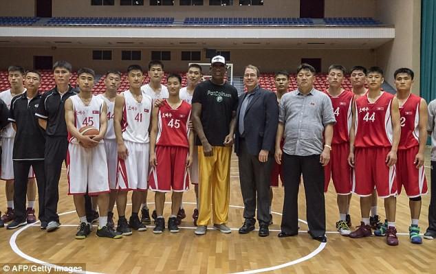 Bóng rổ có luật FIBA, NBA và... Triều Tiên