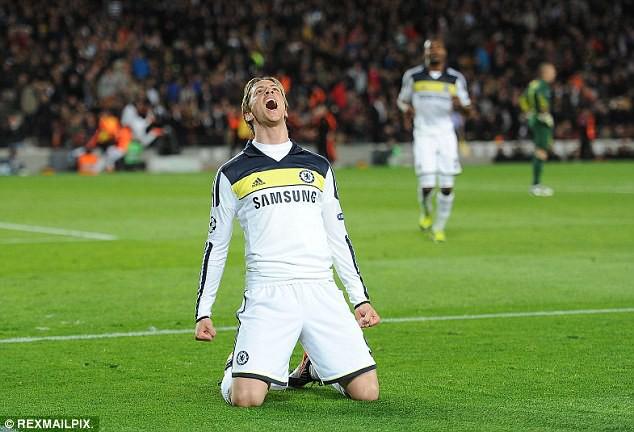 Bàn gỡ 2-2 ở phút 90+2 của Fernando Torres chính thức dập tắt mọi hy vọng đi tiếp của Barcelona.