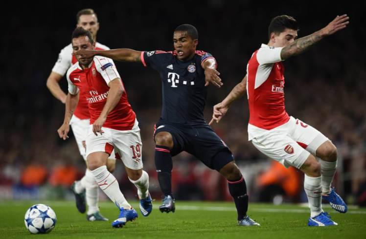 Douglas Costa ghi tới 6 bàn kèm 12 pha kiến tạo cũng như đá tới 7 vị trí khác nhau cho Bayern ở mọi giải mùa này.