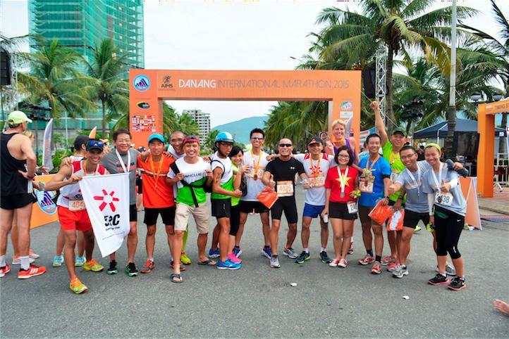Ngày càng nhiều dân chạy bộ Việt Nam hào hứng tham gia các giải marathon quốc tế