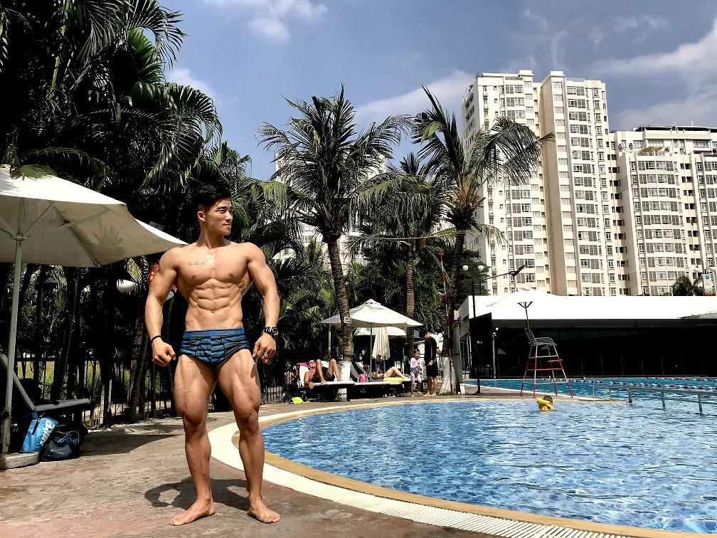 Mai Hồ Minh Mẫn mất 6 năm để sở hữu thân hình đẹp với cơ bụng rõ nét