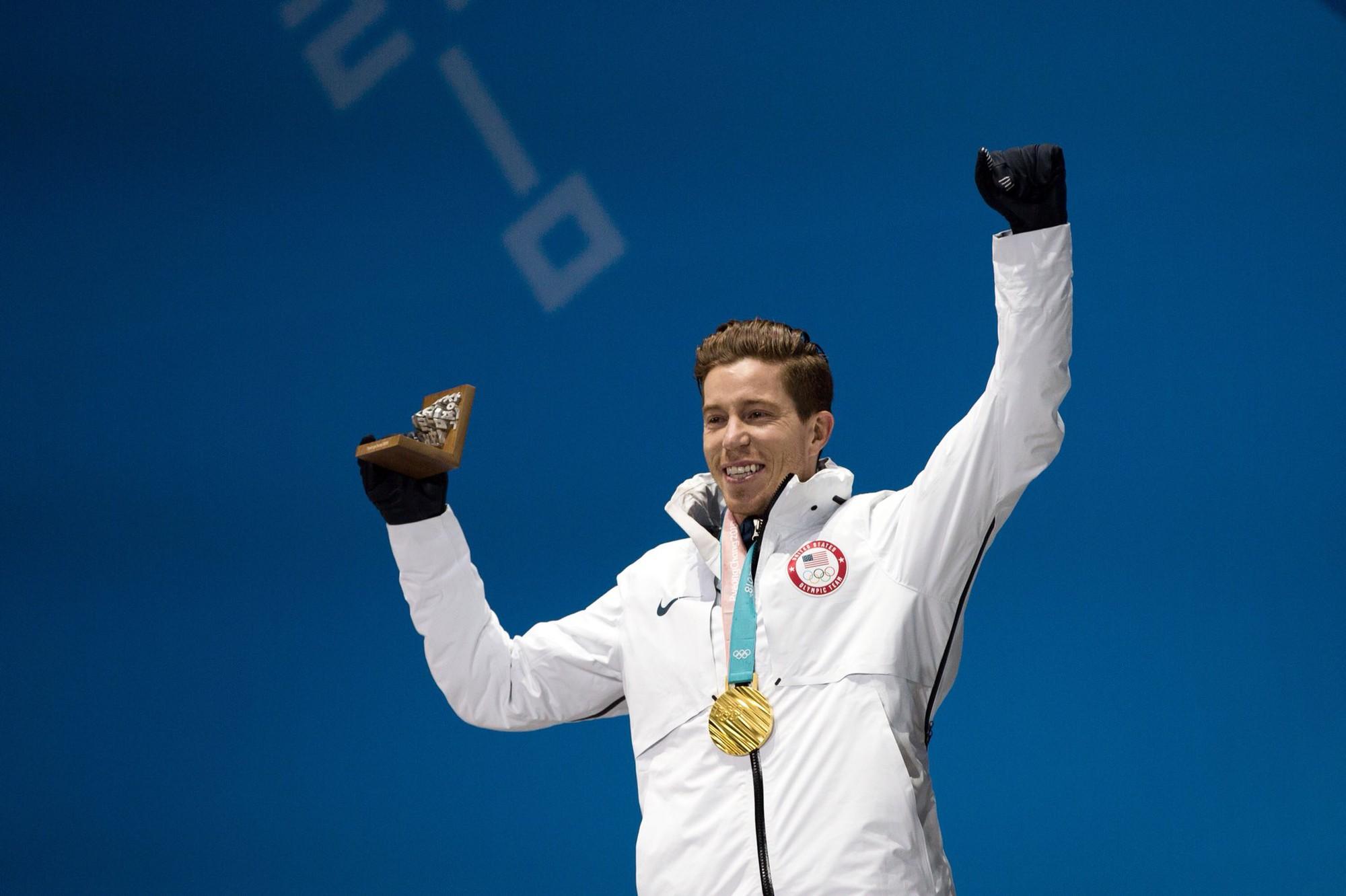 Shaun White, VĐV nam ''hot'' nhất PyeongChang 2018 với khoảng 5 triệu người theo dõi trên mạng xã hội. Anh giành 3 HCV Olympic ở các kỳ 2006, 2010, 2018