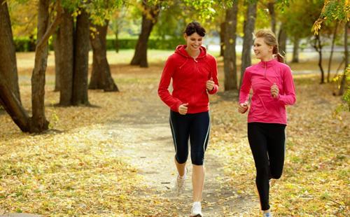 Chạy bộ 5 km có tác dụng tốt đến cơ thể