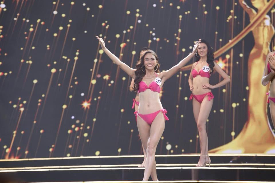 Mâu Thanh Thủy trong màn thi Áo tắm Hoa hậu Hoàn vũ 2017