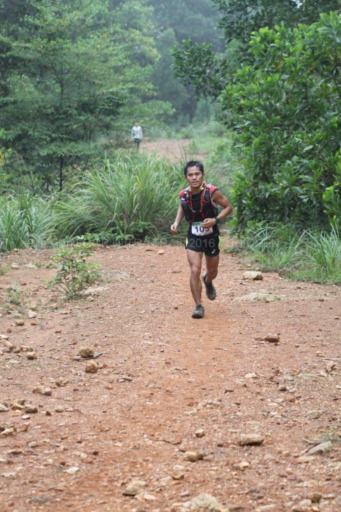 VĐV Nguyễn Doãn Cường - Nhất Nam 15h Loop Ultra Trail 2016