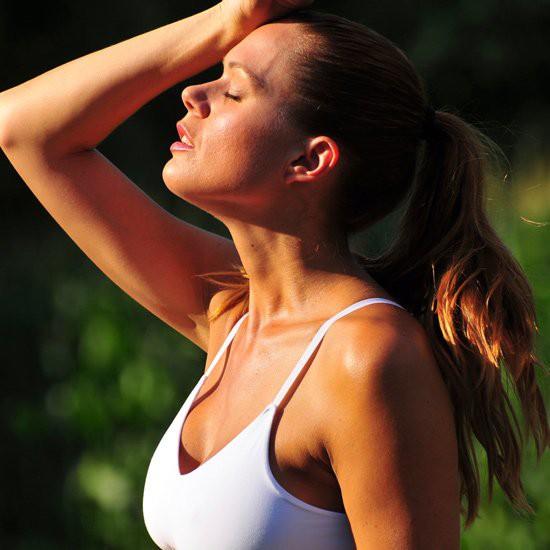 Hãy chọn một chiếc sport bra phù hợp để chạy, nâng niu ''núi đôi'' của bạn