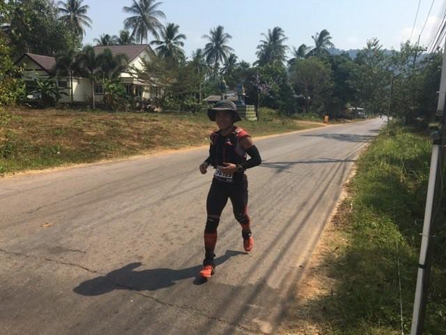 VĐV Nguyễn Doãn Cường trên đường chạy