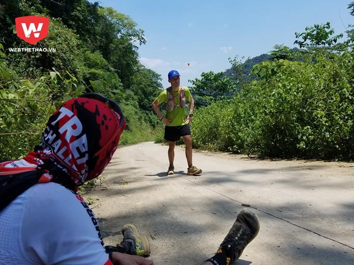 Thử thách vượt dốc và nắng giữa trưa được nhiều VĐV nhận xét ''dã man'' hơn cả đỉnh núi đầu tiên