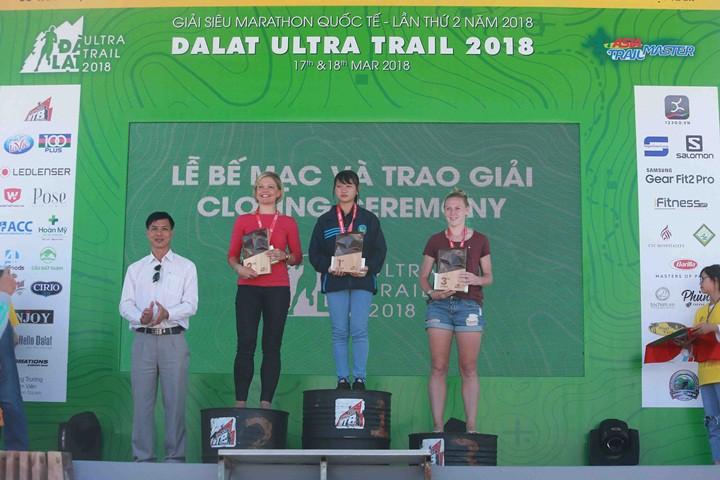 Top 3 nữ 21km