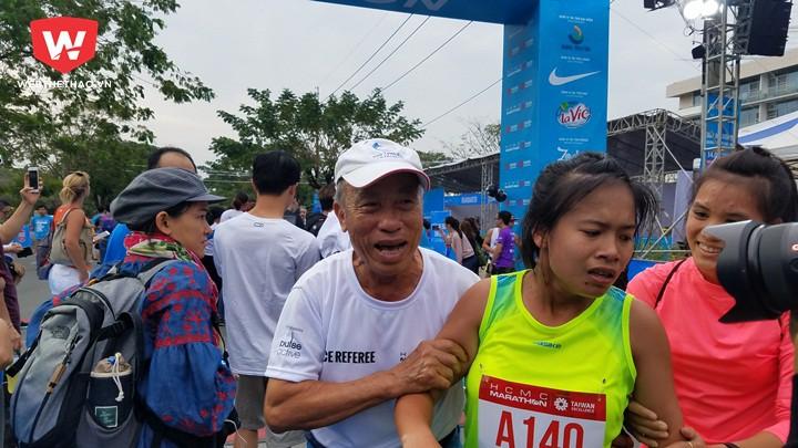 Học trò của HLV Bùi Lương giành giải Nhất 21km nam, nữ, 10km nữ và hạng 3 42km nữ