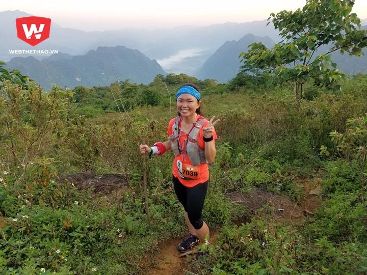 Trên đỉnh ngọn núi ''quái vật'', PV Webthethao cũng bắt gặp Nicole, nữ VĐV sau này giành chức vô địch