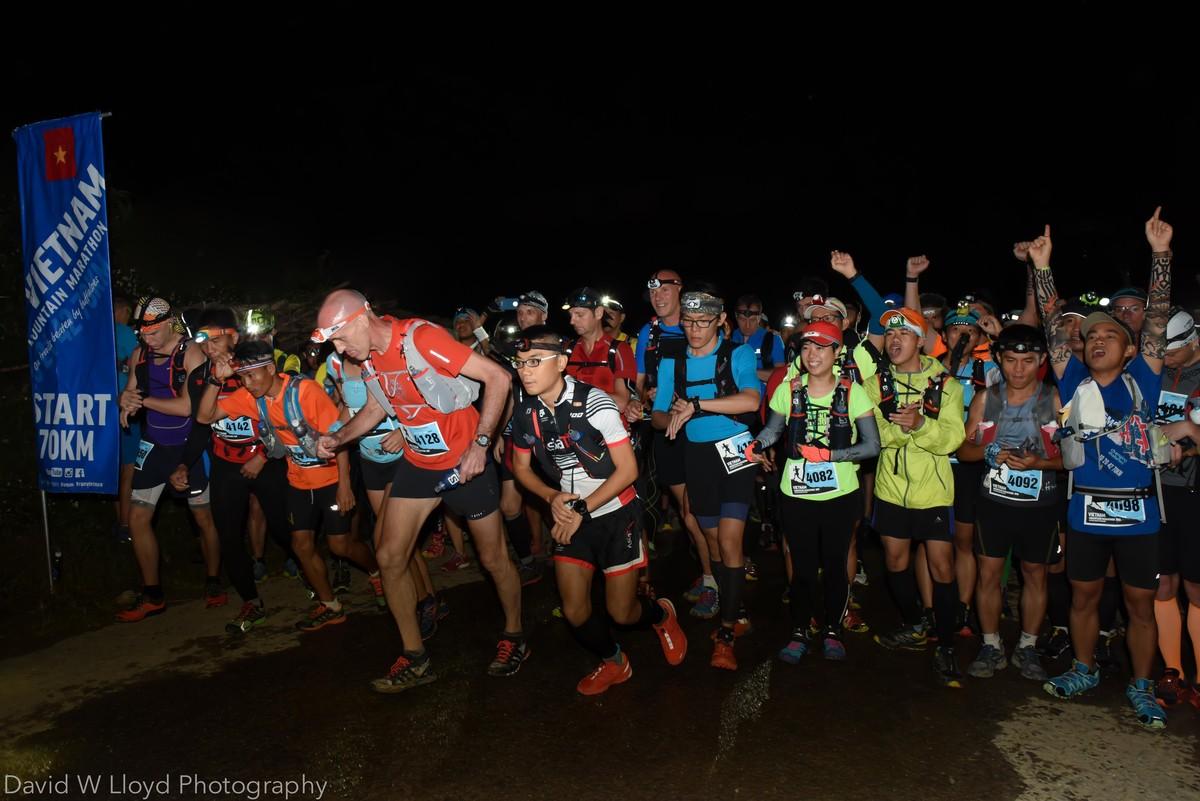 Vietnam Mountain Marathon 2016 lần đầu tiên có cự li 100km (Ảnh: David Lloyd Photography | VMM)