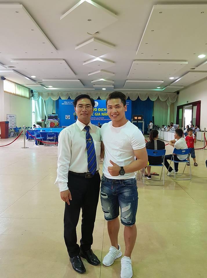 Trịnh Văn Vinh cùng người đàn anh Hoàng Anh Tuấn