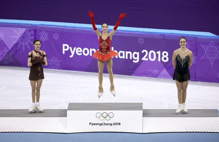 Evgenia Medvedeva giành HCB, Alina Zagitova giành HCV