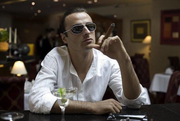 Berbatov hút thuốc như bố già
