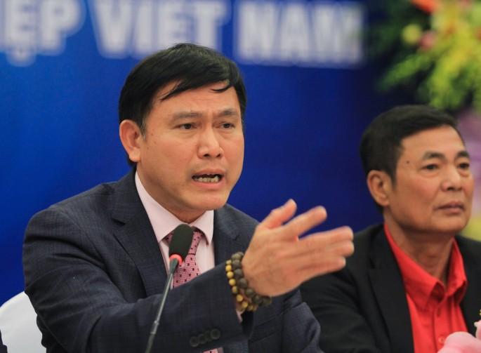 hình ảnh Ông Trần Anh Tú cho biết đang VPF đang xúc tiến đi tìm nhà tài trợ mới cho V.League