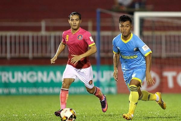 Huỳnh Văn Thành (trái) sẽ là bản hợp đồng mới nhất của TP.HCM
