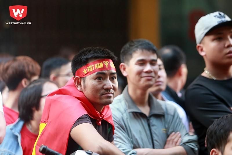 ...hay có nhiều khi lo lắng khi đoàn quân áo đỏ bị đối thủ dẫn trước trong trận đấu...