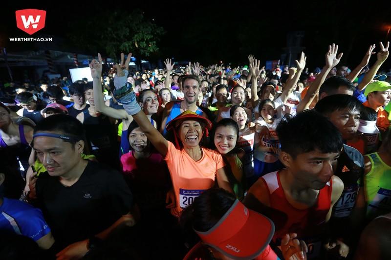 ...từ hàng ngàn runner bởi những màn khởi động vui nhộn...