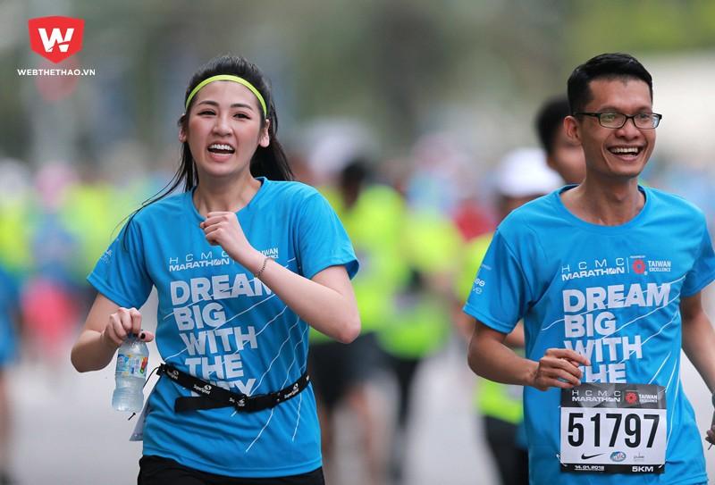 ...để khích lệ các runner khác cố gắng hoàn thành cự ly của mình.