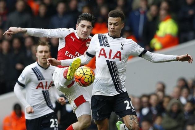 Tottenham đang đứng trên Arsenal
