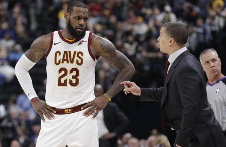 Tin NBA ngày 21/1: LeBron James có chia sẻ về HLV Tyronn Lue