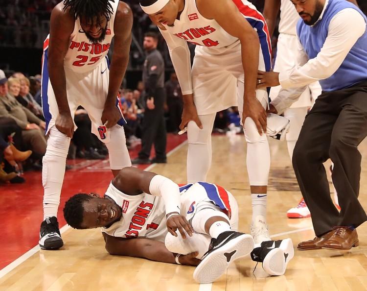 Tin NBA ngày 28/12: Jackson rất đau sau khi tiếp đất không thành công.