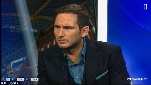 Frank Lampard cho rằng Pogba nên tham gia phòng ngư nhiều hơn