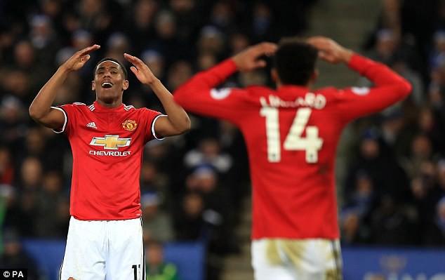 """Tức điên vì thua giây cuối, Mourinho gọi học trò là """"trẻ con"""""""