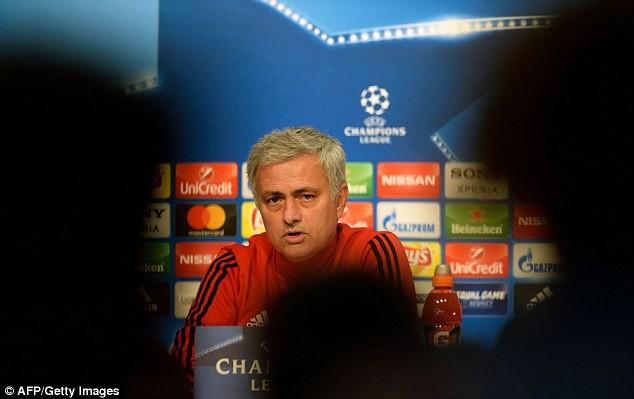 Mourinho khẳng định không có sự đối xử đặc biệt cho Pogba