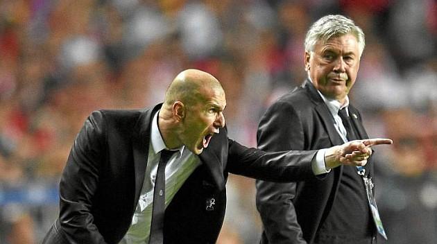 Zidane: Không làm cầu thủ thì làm HLV