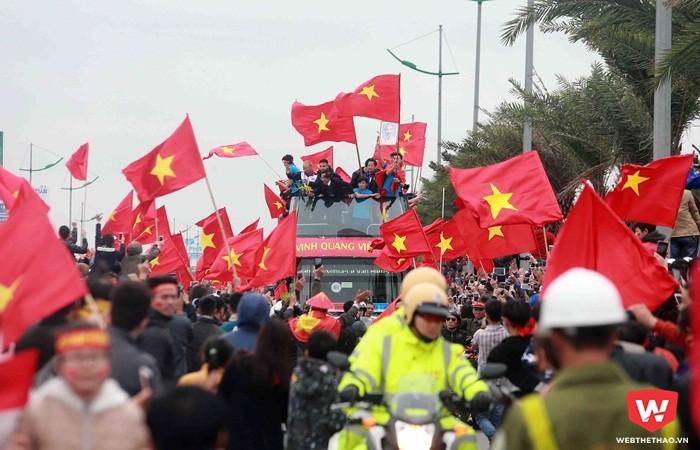 Sau sự tri ân của người hâm mộ, tiền thưởng chính là phần thưởng vật chất xứng đáng dành cho các thành viên đội tuyển U23 Việt Nam. Hình ảnh: Hải Đăng.