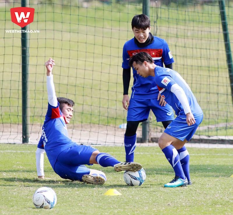 Muốn Xuân Trường thi đấu tốt hơn, HLV Park Hang Seo phải giúp anh giảm áp lực trong khả năng phòng ngự. Hình ảnh: Hải Đăng.