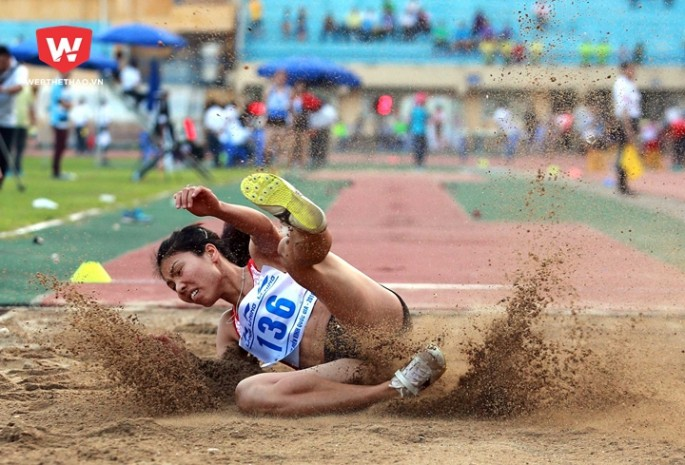 Bùi Thị Thu Thảo (ảnh) cùng Nguyễn Thị Huyền sẽ cùng Ánh Viên cạnh tranh ở hạng mục VĐV nữ của năm. Hình ảnh: Hải Đăng.
