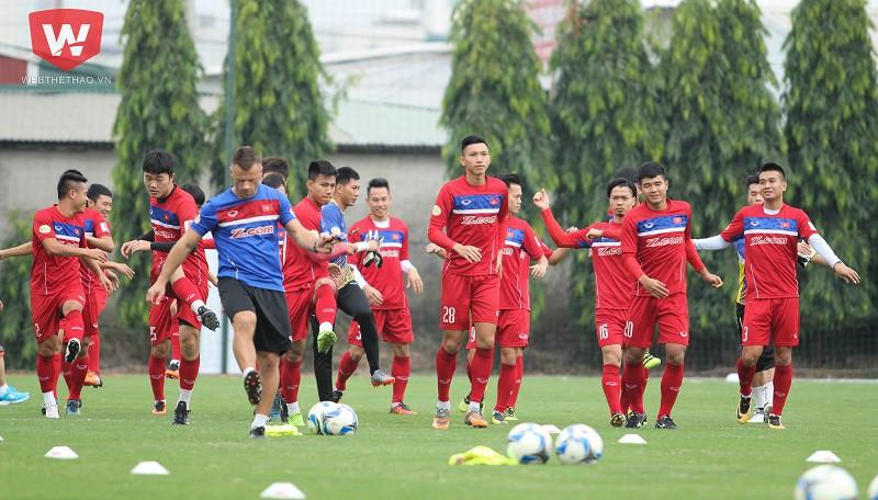 Đội tuyển Việt Nam có bước thăng tiến vượt bậc trên bảng xếp hạng FIFA dù đang trong quá trình chuyển giao thế hệ. Hình ảnh: Trung Thu.