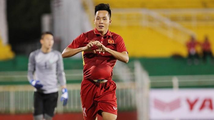 Tiền đạo Lê Thanh Bình sẽ khoác áo CLB Lucky Thanh Hà tham dự Giải bóng đá phong trào hạng nhì - Cúp Bia Saigon Special 2018.