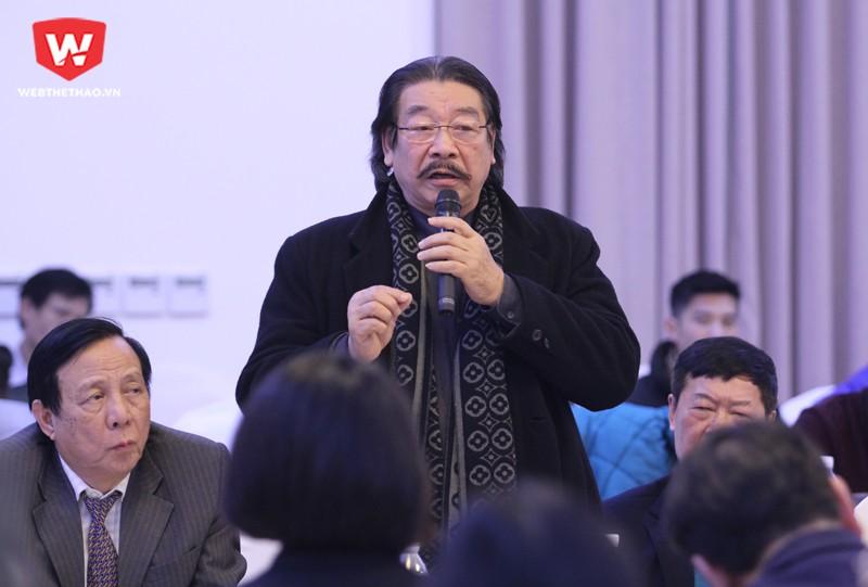 Buổi Hội thảo thu hút sự tham gia của nhiều chuyên gia giàu kinh nghiêm về thể thao và bóng đá Việt Nam, trong ảnh là ông Nguyễn Hồng Minh (Nguyên Vụ trưởng Vụ Thể thao thành tích cao). Hình ảnh: Trung Thu.
