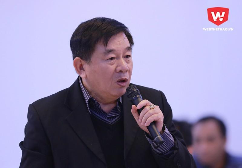 Ông Nguyễn Văn Mùi cũng tỏ ra cứng rắn trong việc trả lời những chất vấn của ông Dương Mạnh Hùng. Hình ảnh: Trung Thu.
