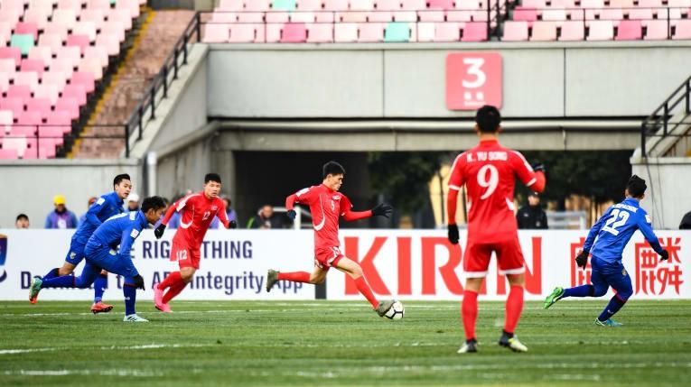 U23 CHDCND Triều Tiên vượt qua U23 Thái Lan với tỷ số 1-0. Trong khi đó, U23 Malaysia để thua U23 Iraq 1-4. Hình ảnh: AFC.