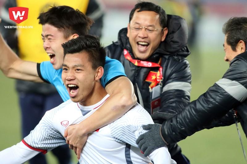Cú sút penalty của Văn Thanh đã đưa U23 Việt Nam vào trận chung kết U23 châu Á 2018. Hình ảnh: Anh Khoa.