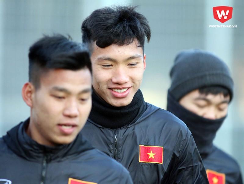 Đoàn Văn Hậu chia sẻ lại những góp ý của HLV Park Hang Seo, trong đó có sự tự tin và việc hạn chế phạm lỗi bên phần sân nhà.