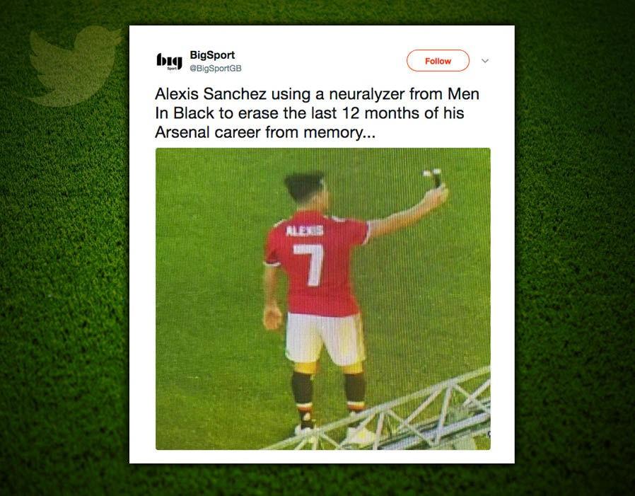 Hình ảnh: Hình ảnh Sanchez tự sướng xuất hiện trên Twitter