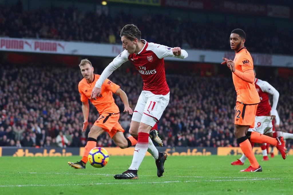 Hình ảnh: Arsenal và Liverpool đều có lý do tiếc nuối khi chia điểm