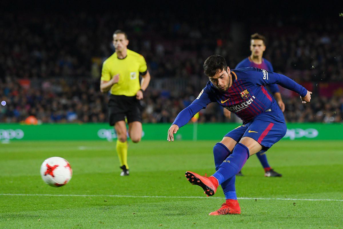 Hình ảnh: Jose Arnaiz ghi bàn cho Barca