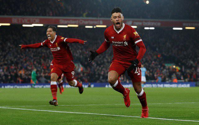 Hình ảnh: Oxlade-Chamberlain tỏa sáng trong chiến thắng của Liverpool