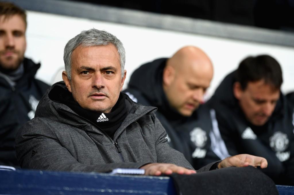 Hình ảnh: Mourinho đòi chi thêm tiền mới bắt kịp được Man City