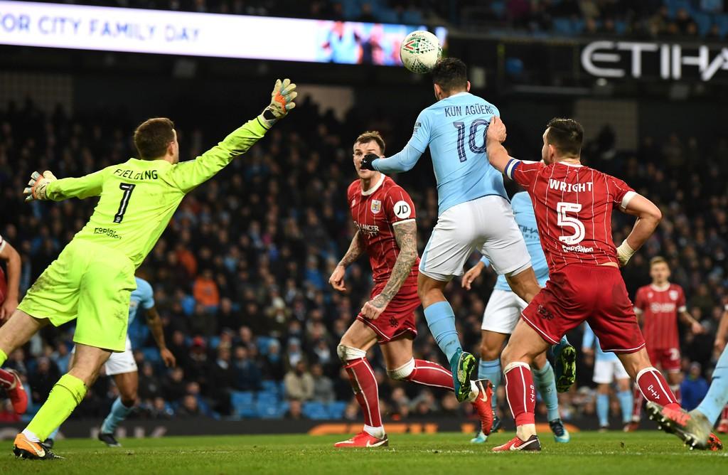 Hình ảnh: Cú đánh đầu của Aguero đem về chiến thắng cho Man City