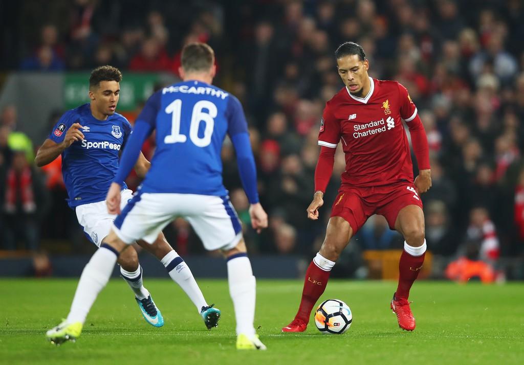Hình ảnh: Van Dijk hầu như không mắc sai lầm dẫn đến bàn thua
