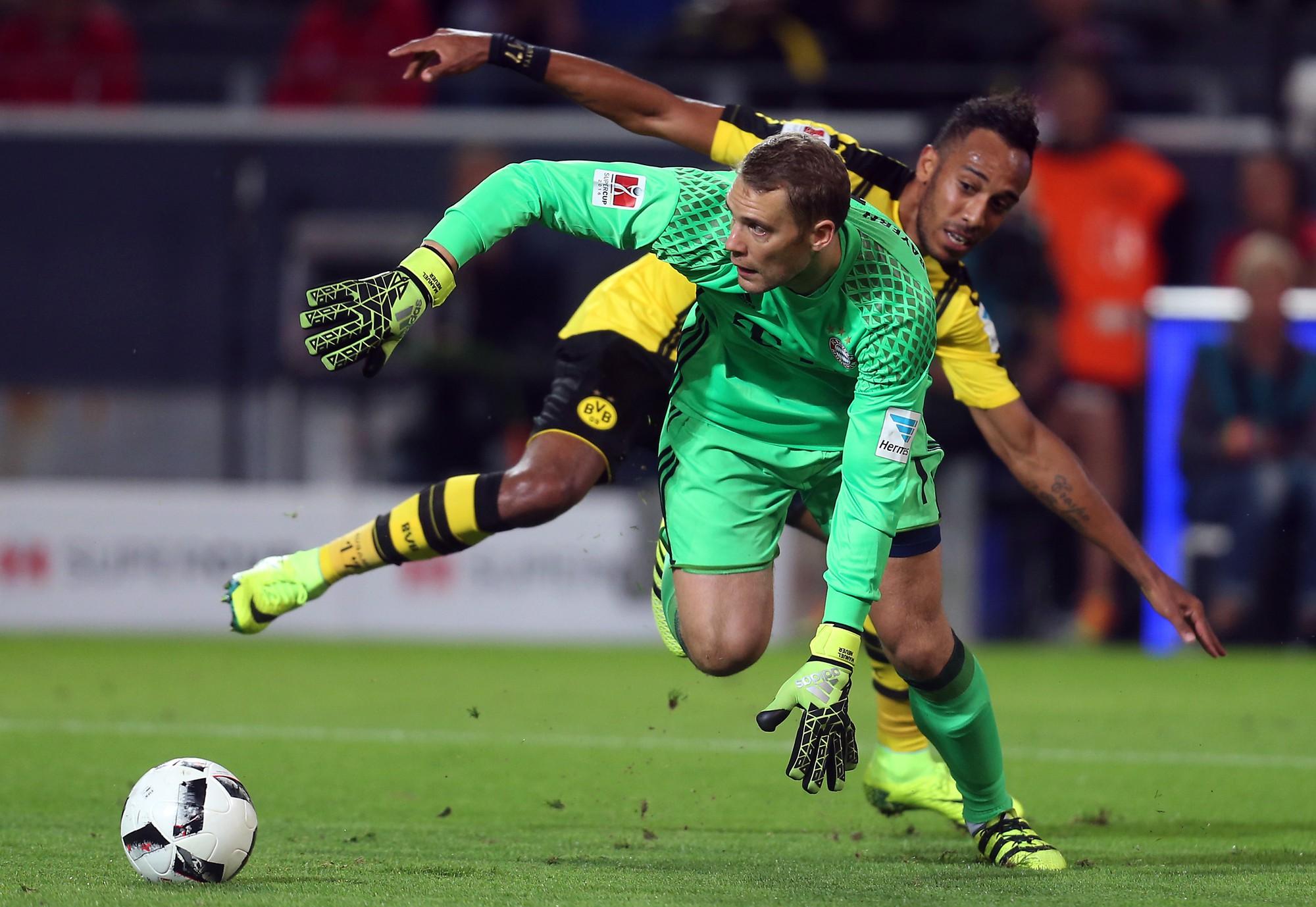 Neuer là một thủ môn nhưng có thể chơi như một hậu vệ